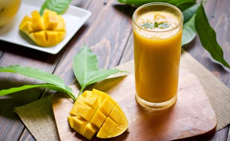 Mango Vanilla Protein Smoothie