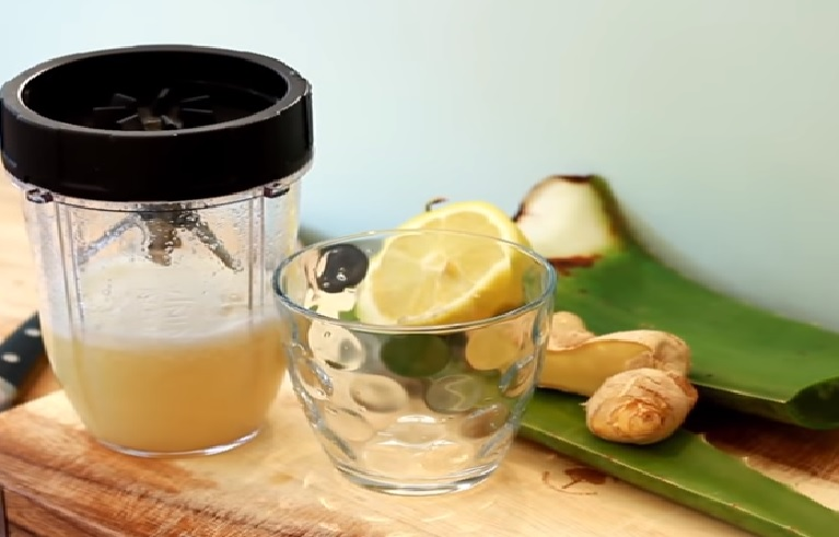 Loking for a metabolism boosting smoothie with great taste? Check out this yummy metabolism boosting ginger-aloe vera smoothie.
