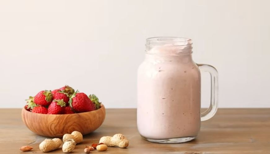 Looking for a smoothie recipe you can take with you? How about this peanut butter and jelly protein smoothie and bring it to work for a delightful break!