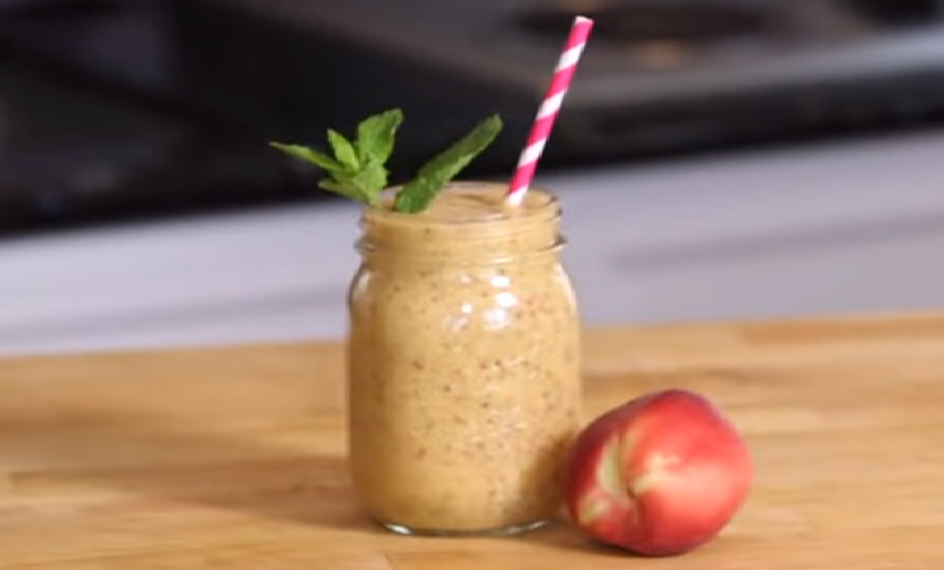 Are you constantly on the go? Then try this fantastic peaches and cream smoothie to take to work so you can still have a delicious and nutritious breakfast!